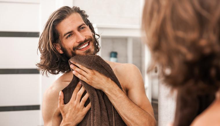 Šampón a sprchovací gél v jednom? Praktický pomocník pre muža